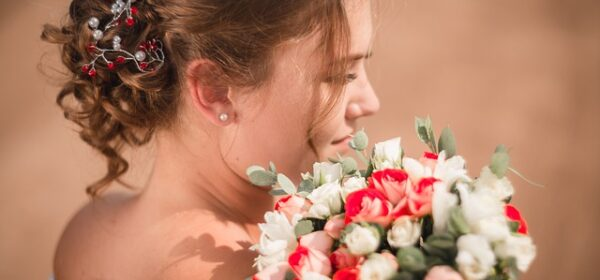Wedding Hair and Makeup – Tips For Cheaper Look